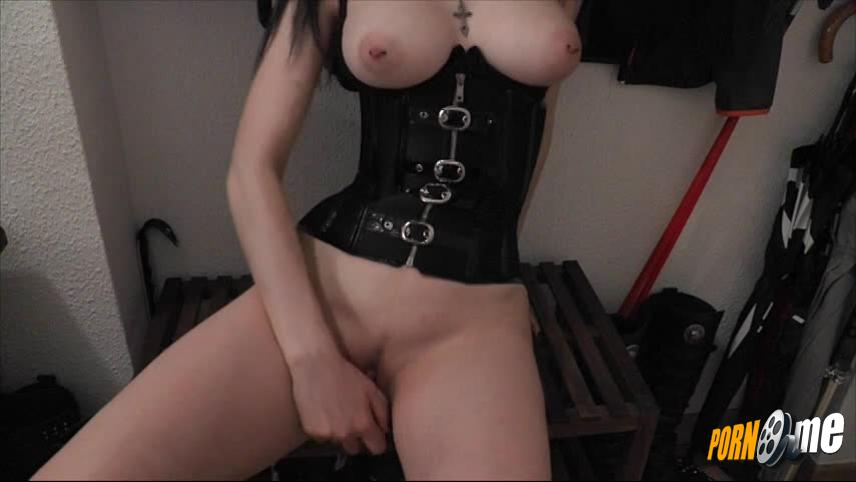 AlissaNoir in Overdressed and underfucked...